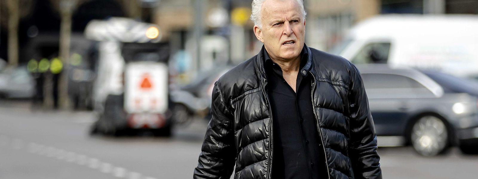 Der bekannte niederländische Reporter Peter de Vries wurde am Dienstag in Amsterdam niedergeschossen.