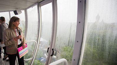 La bourgmestre Lydie Polfer lors du City Breakfast Luxembourg mercredi matin du haut de la tour City Skyliner.
