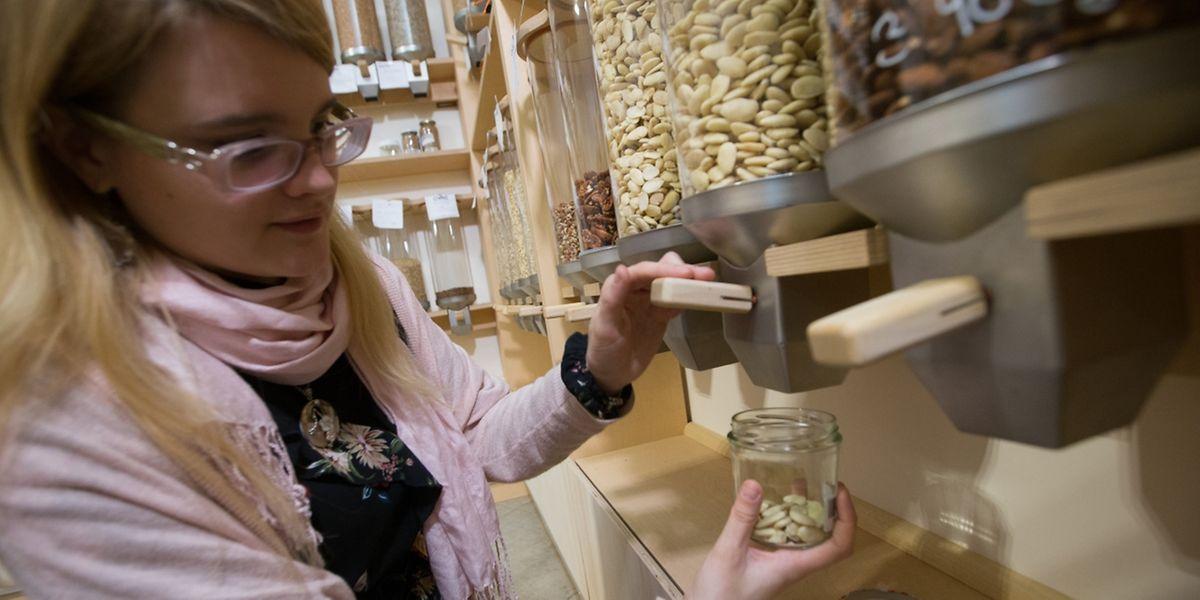 Dans l'épicerie Ouni, chaque client décide de la quantité de produit qu'il veut acheter.