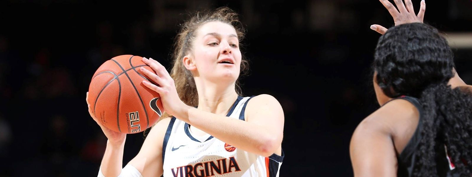 Lisa Jablonowski legt in ihrer letzten Saison bei den Virginia Cavaliers durchschnittlich 8,2 Punkte sowie 5,4 Rebounds pro Partie auf.