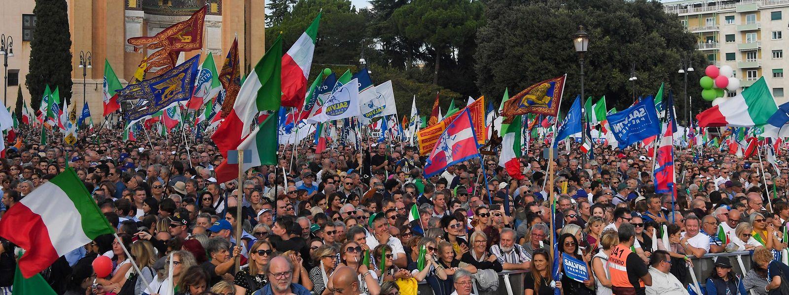 Teilnehmerzahlen lagen zunächst nicht vor, Salvini hatte vorab aber mit bis zu 200.000 Teilnehmern gerechnet.