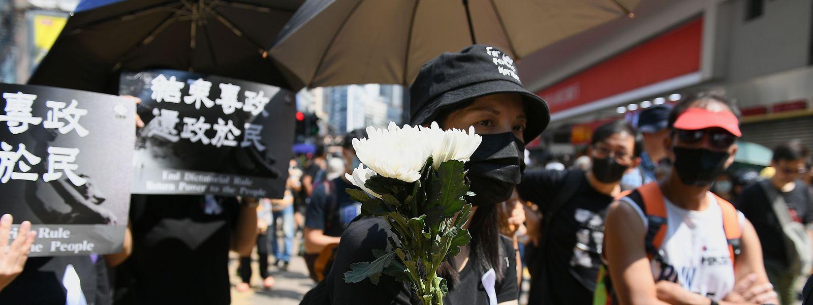 Malgré les interdictions de manifester émises par les autorités, les manifestants se sont retrouvés ce mardi à Causeway Bay.