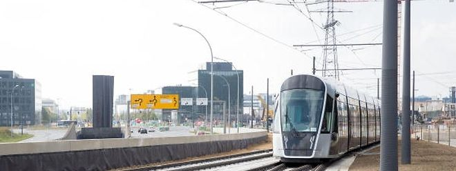Sieben der insgesamt neun Fahrzeuge, die für den ersten Streckenabschnitt zwischen Luxexpo und Roter Brücke benötigt werden, wurden bereits aus Saragossa geliefert.