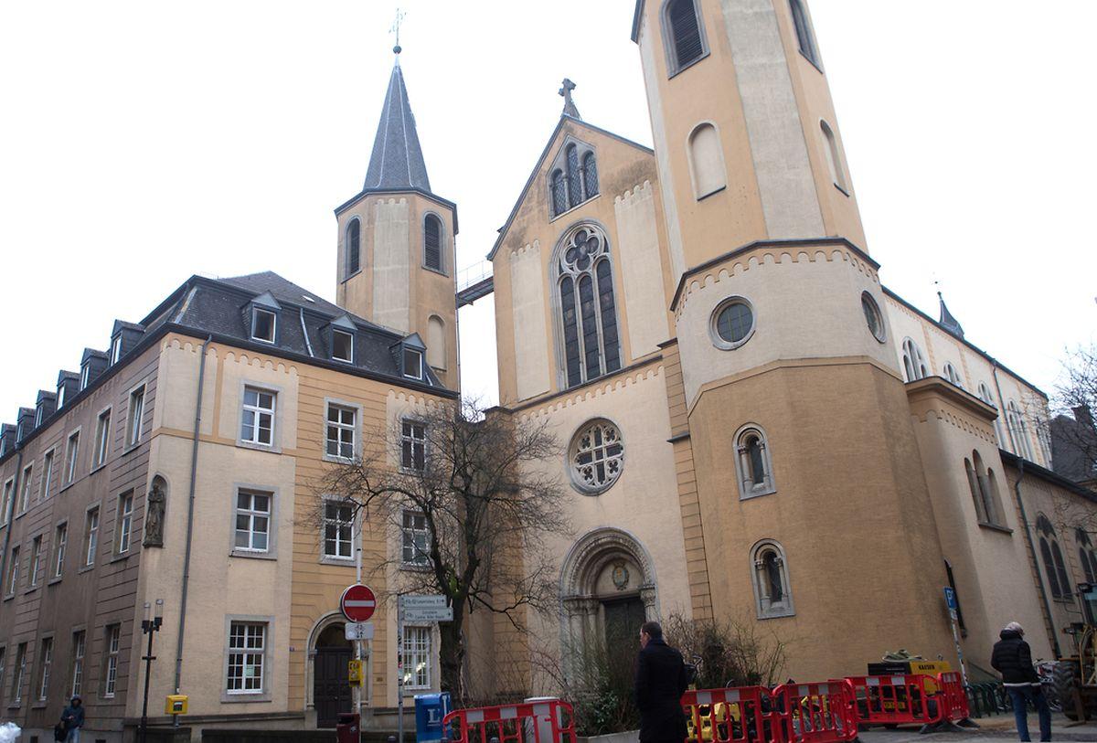 """Das """"Couvent des Pères rédemptoristes"""" und die St-Alphonse-Kirche in der Kapuzinergasse werden ebenfalls unter Denkmalschutz gestellt."""