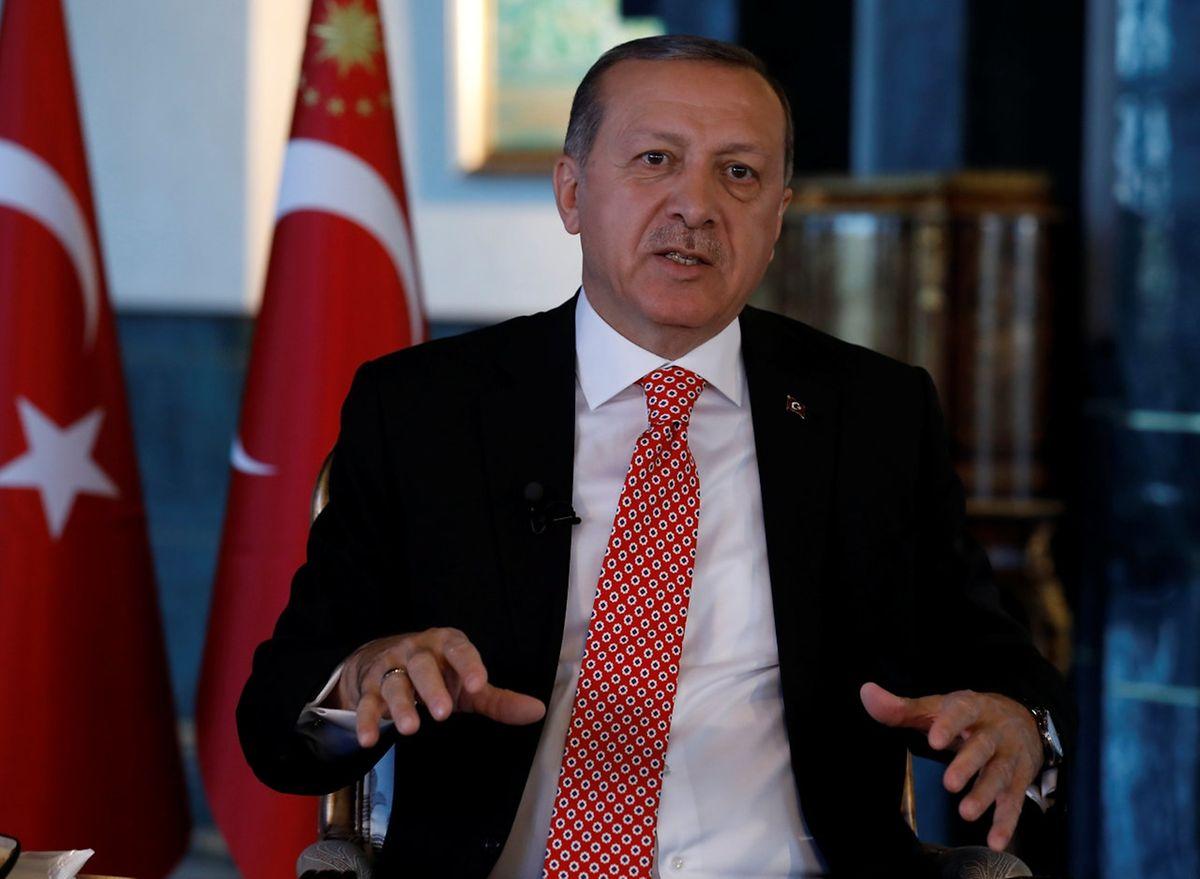 """Präsident Erdogan setzt konsequent seine """"Säuberungsaktion"""" gegen Gülen-Aktivisten fort."""