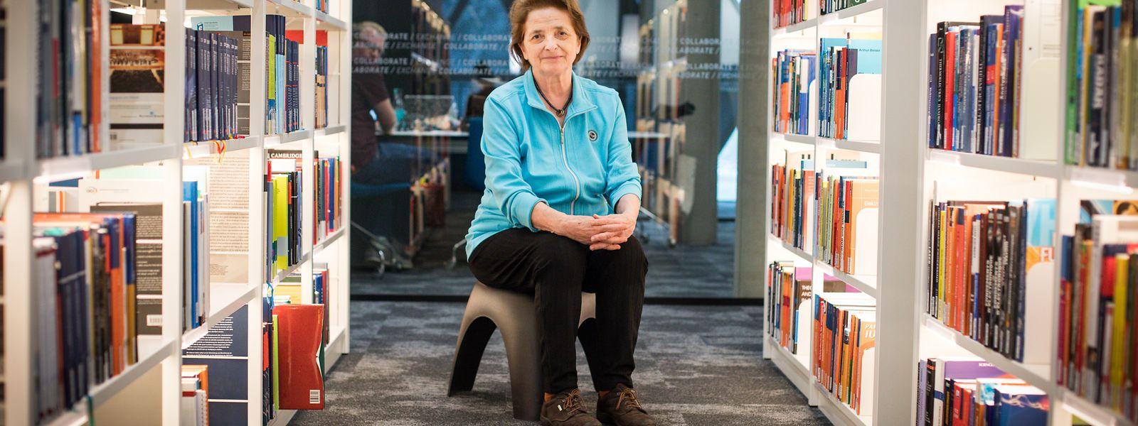Im Alter von 74 Jahren verteidigte Marie-Paule Theisen erfolgreich ihre Doktorarbeit. Es war ihr ganz persönliches Projekt. Darauf beruhen lassen wollte sie es jedoch nicht. Nun steht sie selbst regelmäßig vor den Studenten, etwa im Learning Center, der Unibibliothek in Belval.
