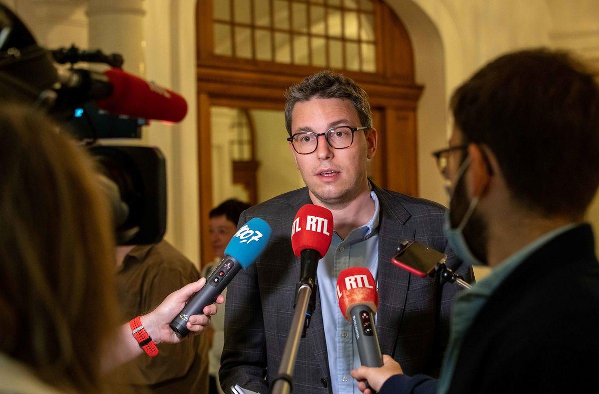 """Sven Clement spricht von einer  """"Arbeitsverweigerung"""" seitens des Familienministeriums."""