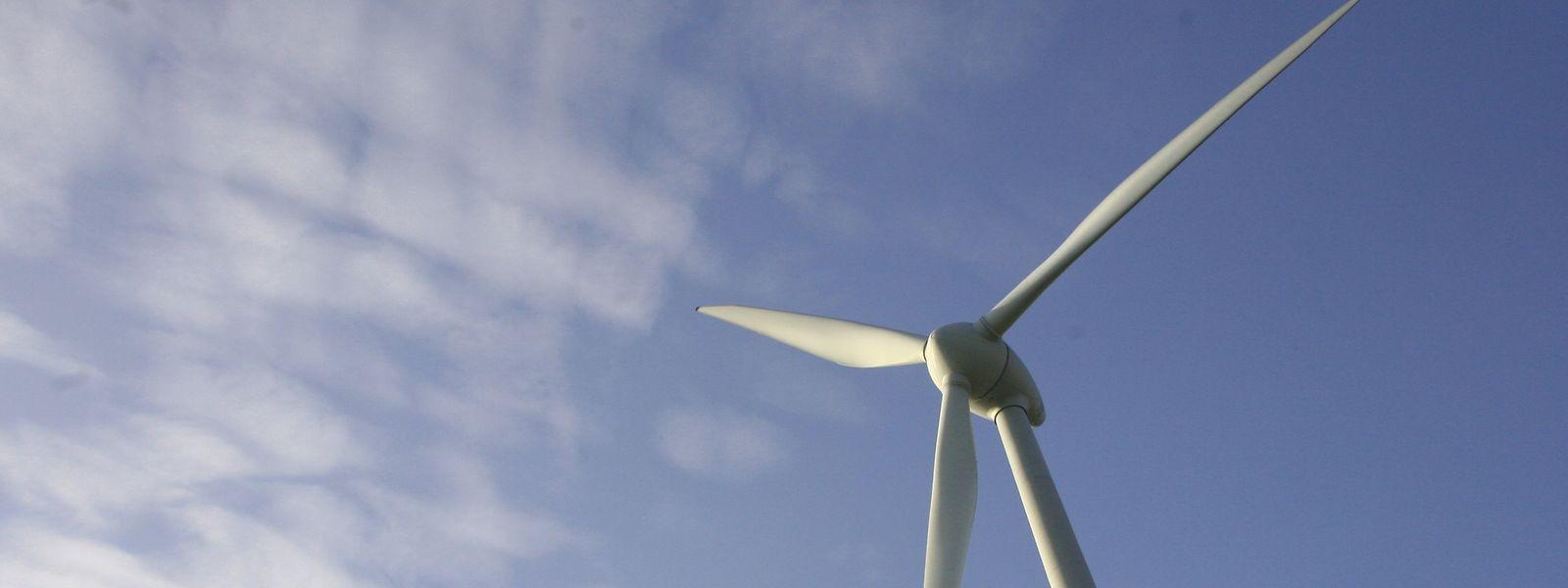 Zu Ökoenergiequellen gehört auch Ökostrom, der durch Windrädererzeugt wird.