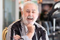 ARCHIV - 10.07.2019, Berlin: Udo Walz in seinem Salon am Kurfürstendamm. (zu dpa «Ein Schwabe für Hollywood - Star-Friseur Udo Walz wird 75») Foto: Soeren Stache/dpa +++ dpa-Bildfunk +++