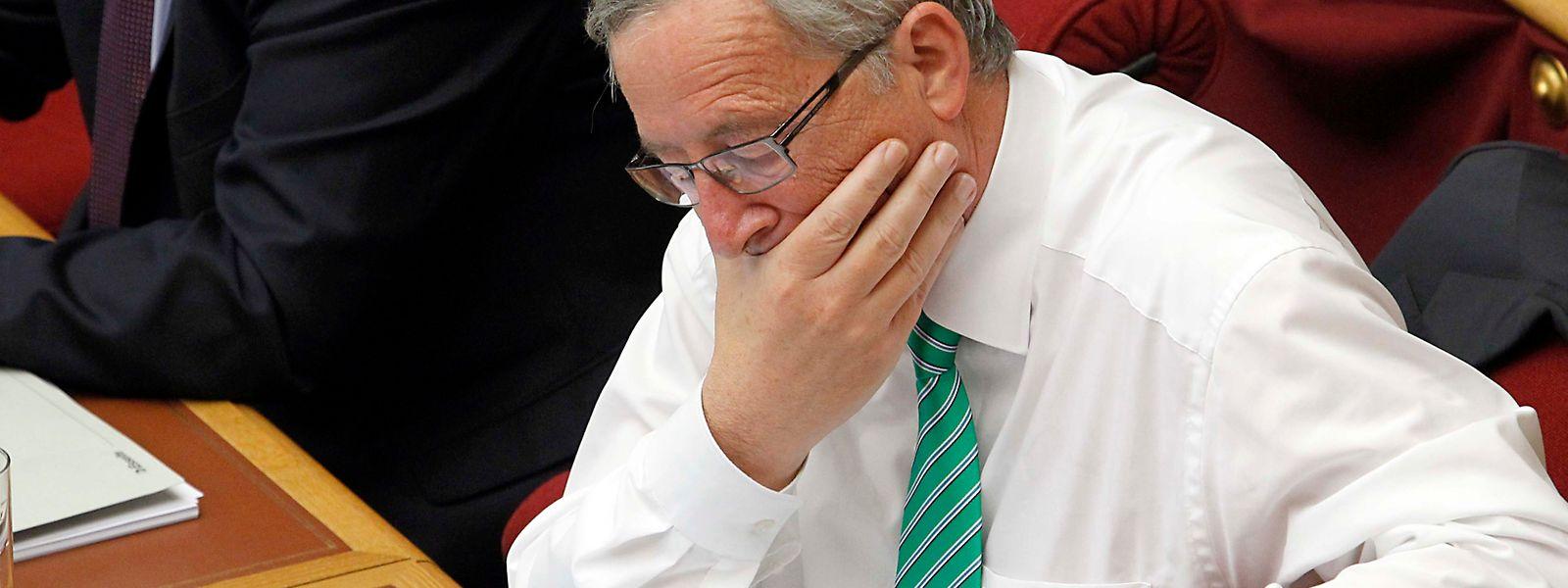 Am 10. Juli 2013 kommt es in der Chamber zum Showdown: Nach einer achtstündigen hitzigen Debatte kündigt der damalige Premier Jean-Claude Juncker Neuwahlen an.
