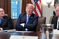 US President Donald Trump, with Secretary of State Mike Pompeo (L) and Deputy Secretary of Defense Patrick Shanahan (R), speaks during a cabinet meeting on July 18, 2018, at the White House in Washington, DC. / AFP PHOTO / Nicholas Kamm