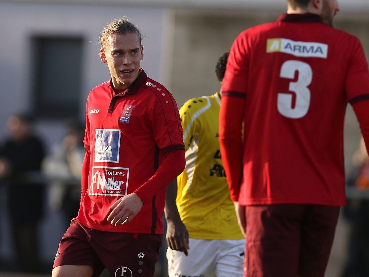Käerjéngs Fußballer stehen mit dem Rücken zur Wand.