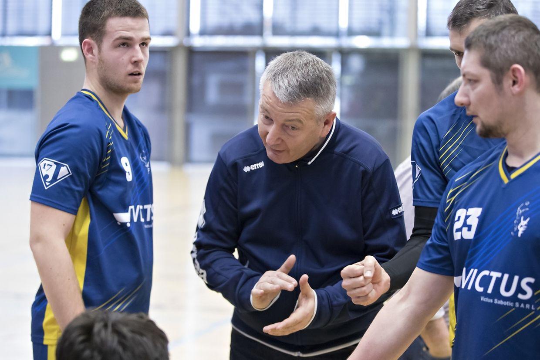 Fentingens Coach Dragan Vujovic musste elf Jahre auf den ersten Meistertitel warten.