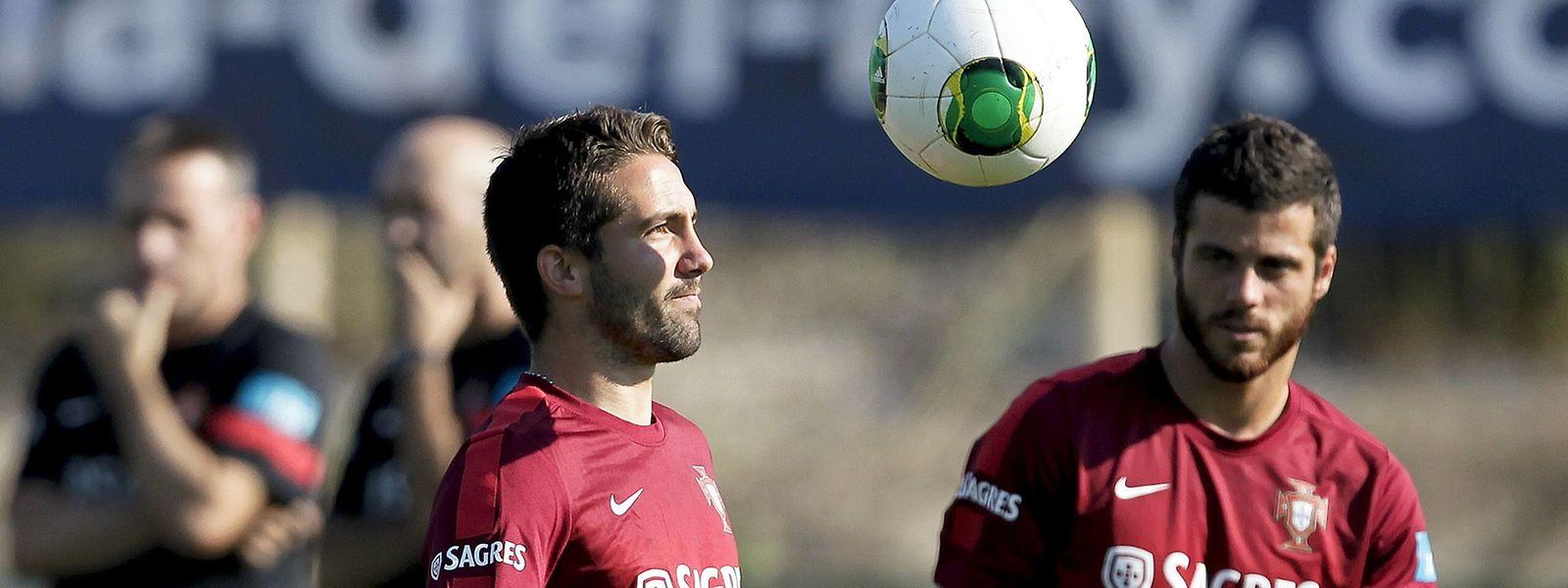 João Moutinho (esquerda) vai estar ausente por lesão