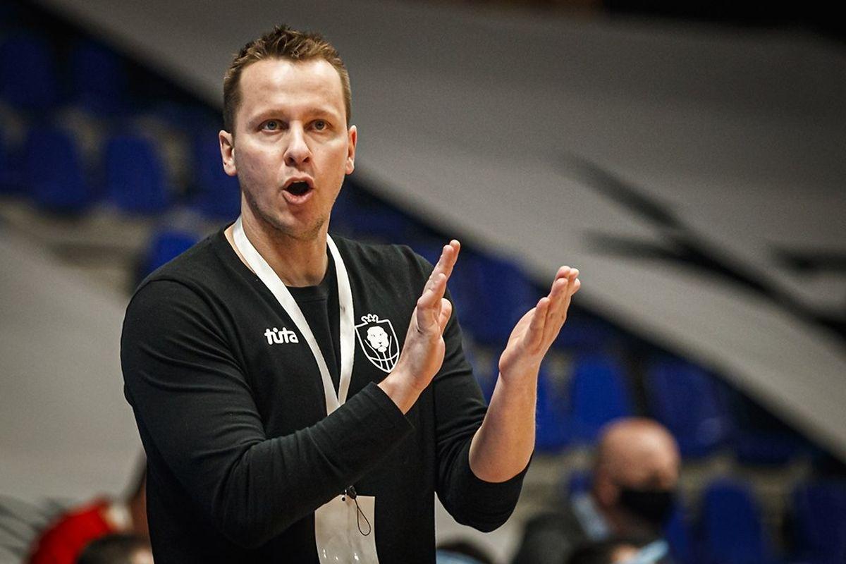 Nationaltrainer Ken Diederich freut sich über die Leistung seines Teams.