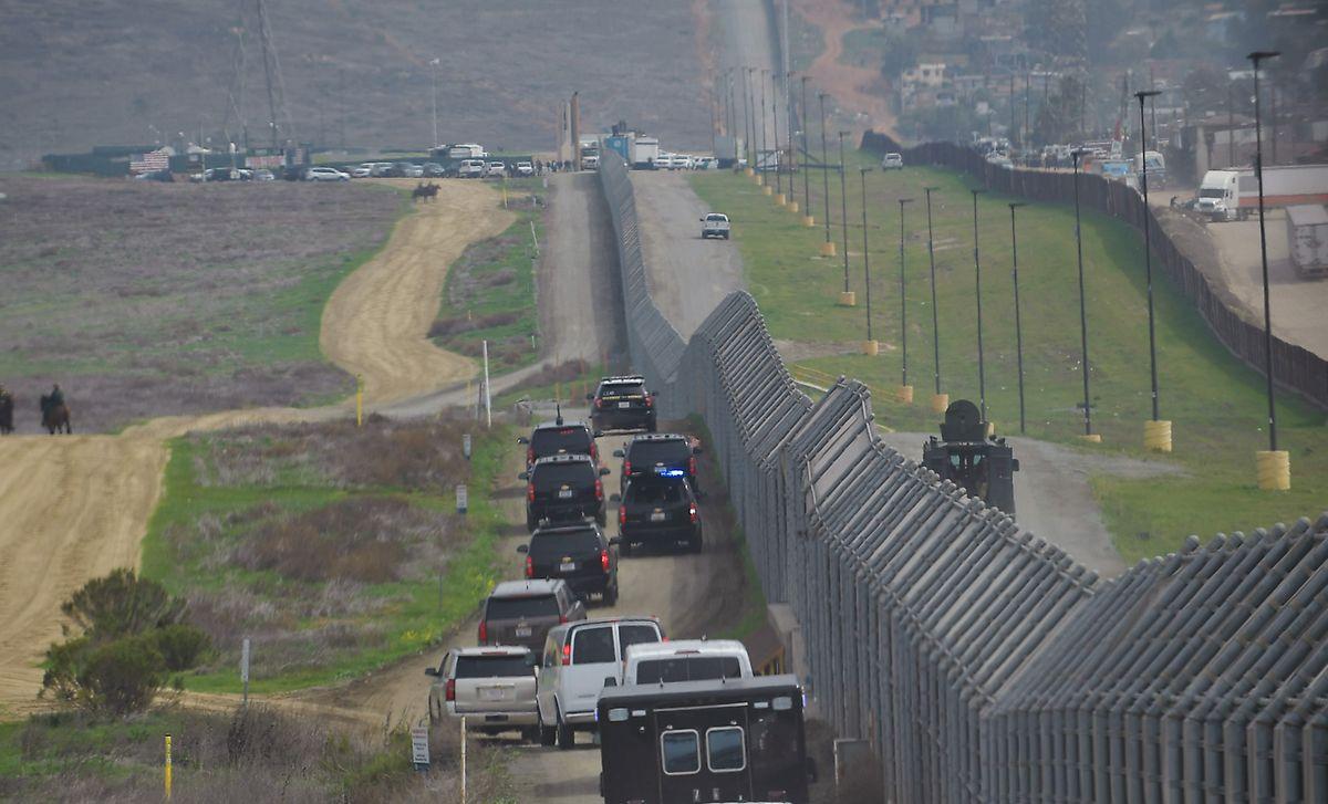 Mehr als ein Drittel der rund 3100 Kilometer langen Grenze ist mit Zäunen und Absperrungen gesichert.