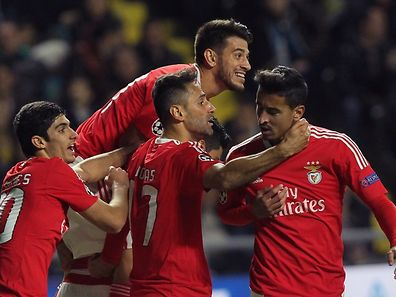 Benfica's players celebrate a goal during the UEFA Champions League group C football match between FC Astana and SL Benfica at the Astana Arena stadium in Astana on November 25, 2015. AFP PHOTO / STANISLAV FILIPPOV