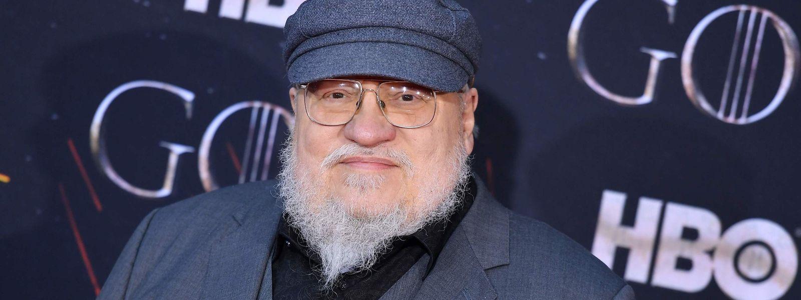 """George R. R. Martin lieferte die Vorlagen für die erfolgreiche Serie """"Game of Thrones""""  -  und auch diesmal sieht es so aus, als wenn die Serie wieder viele Preise bei den diesjährigen Emmys gewinnen wird."""
