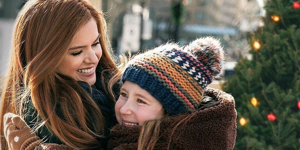 Hollywoodstar Isla Fisher – hier an der Seite ihrer Filmtochter Willa Skye – dichtet Märchen bei Bedarf kurzerhand um.