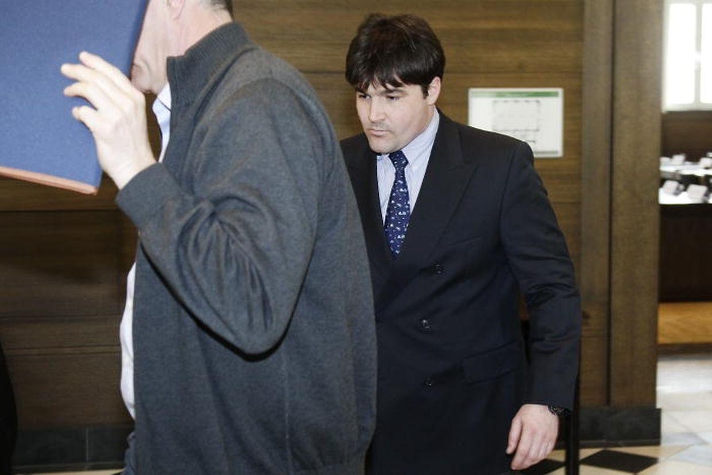 Der Pilot der Unglücksmaschine (r.) wurde zu einer 42-monatigen Haftstrafe auf Bewährung verurteilt.