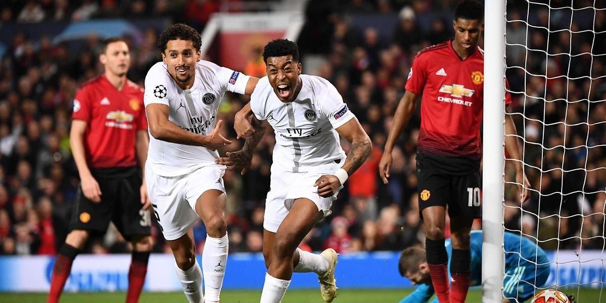 Presnel Kimpembe hurle sa joie avec Marquinhos à ses côtés. Le défenseur central parisien a ouvert le score ce mardi à Old Trafford.