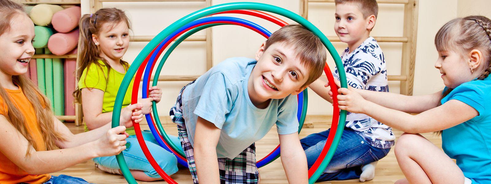 Längst nicht nur was für Kinder: Hula Hoop hält auch Erwachsene fit.