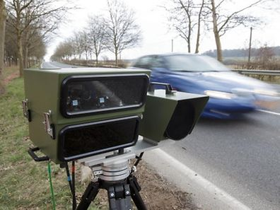 A mobile speed camera can operate from inside a vehicle or be installed at the side of a road