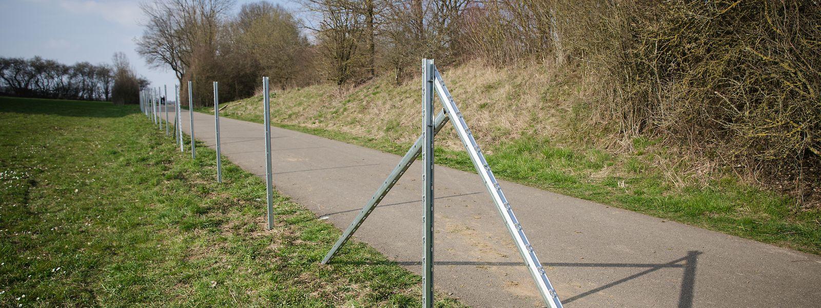 Zank um den Zaun: der Bürgermeister von Kaerjeng, Michel Wolter, kritisiert die Informationspolitik der Regierung.