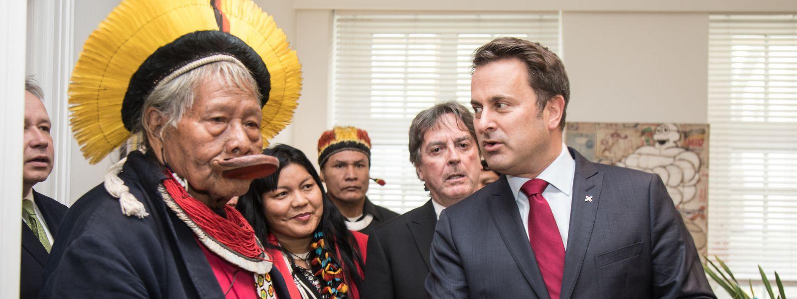 Das Volk der Xikrin gehört zu den Kayapo, genau wie Häuptling Raoni (l.), der im Mai zu Gast in Luxemburg war.