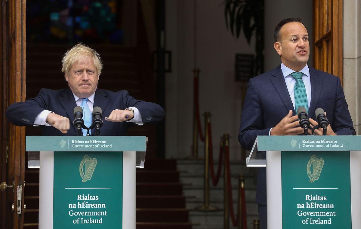 Boris Johnson mit dem irischen Premier Leo Varadkar: Johnson will laut eigenen Angaben einen geregelten Brexit zum 31. Oktober – dies solle ohne die Einrichtung einer festen Grenze zwischen dem EU-Mitglied Irland und dem britischen Nordirland möglich sein.