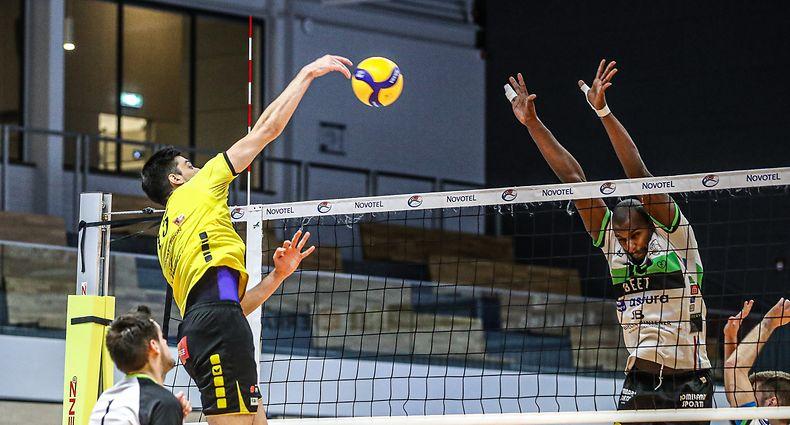 Mateja Gajin (15 Strassen) Delgado Valdir (20 Esch)volleyball - novotel ligue - Strassen - Esch - 17/04/2021 - Hall sportif Strassenfoto : Vincent lescaut
