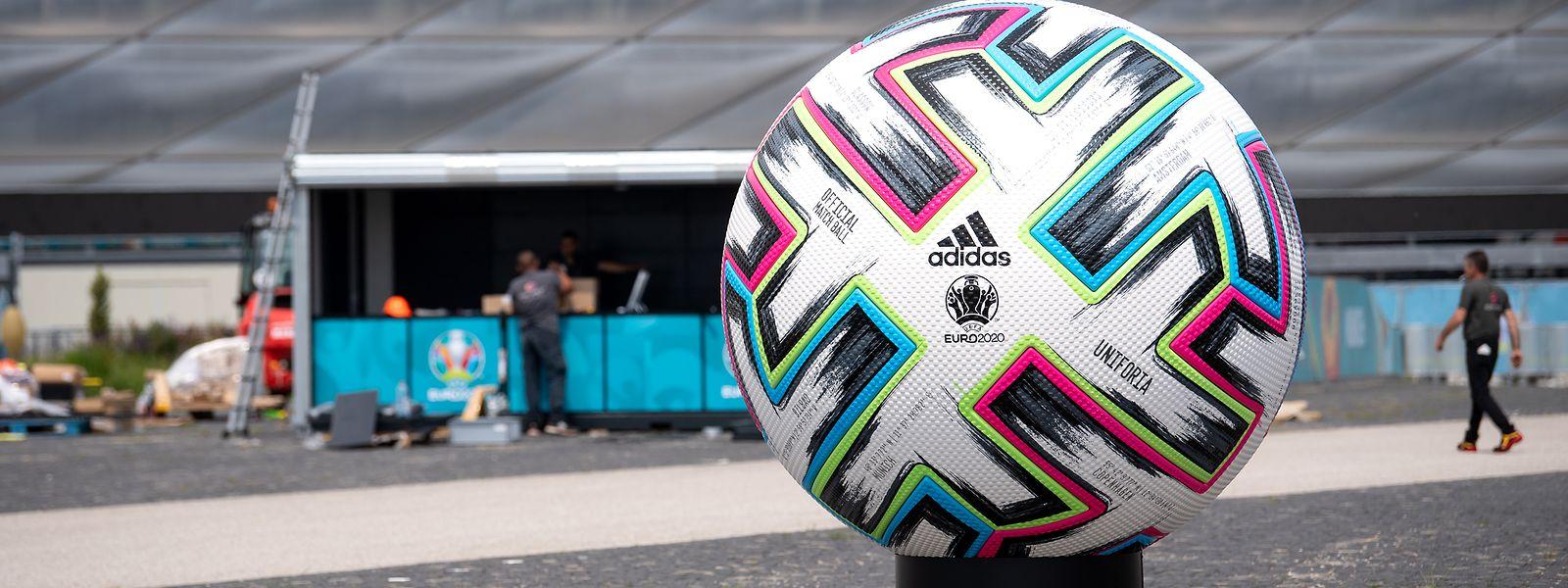 Mit dem Ball Uniforia wird bei der EM gespielt.