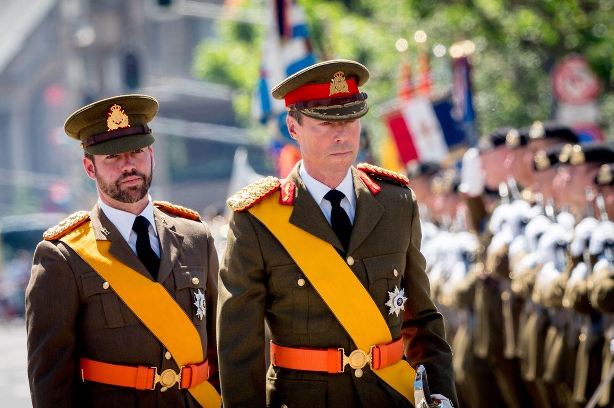 La revue des troupes est l'un des moments forts de la fête nationale