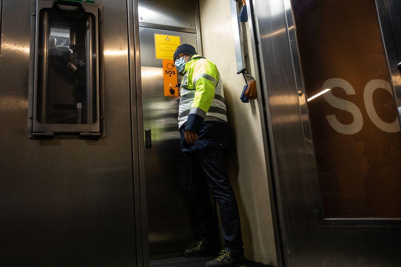 Kurz nach 9 Uhr startet die Übung mit einem Notruf aus dem Tunnel.