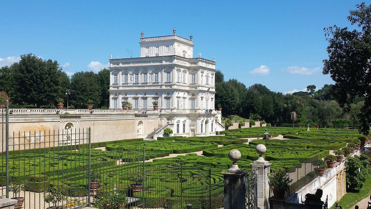 Ein Picknick im Park der Villa Doria Pamphilj in Rom ist sicher einunvergessliches Erlebnis.