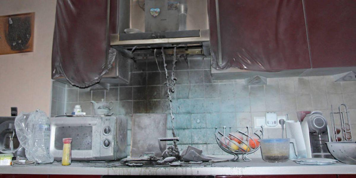 Die Küche der Wohnung wurde schwer beschädigt.