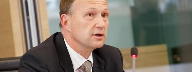 Der ehemalige SREL-Chef Marco Mille bei seiner Aussage vor dem parlamentarischen Untersuchungsausschuss im Juni 2013.