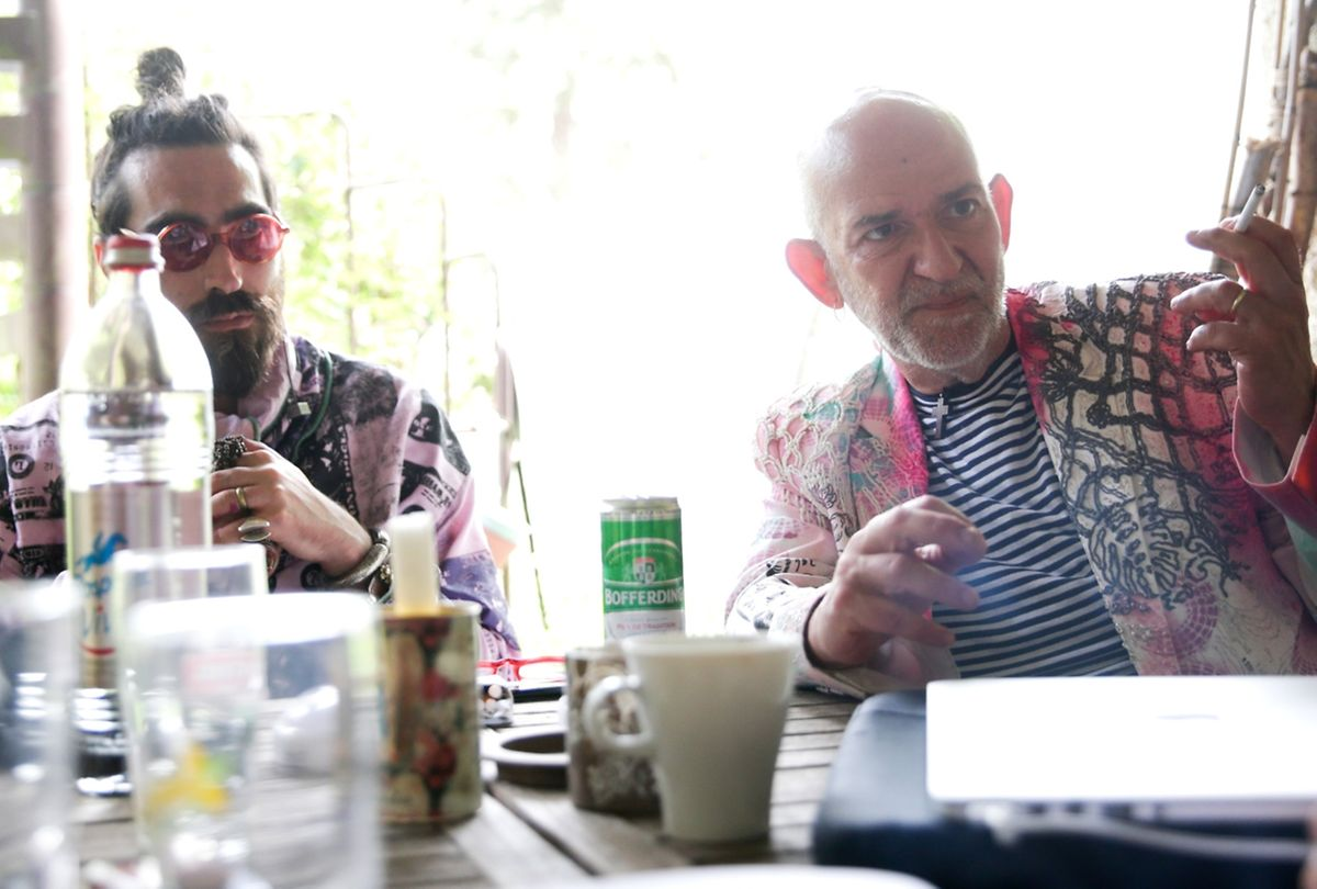 Ivo Bassini (l.) und Pedro Amaral (r.) philosophieren über künstlerische Freiheit.