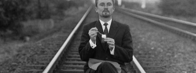 Perfektion bis ins Detail: Todesmutig wagte sich Romain Urhausen auf die Gleise – aber das perfekte Bild mit dem Salzstreuer auf den Schienen war es wert.