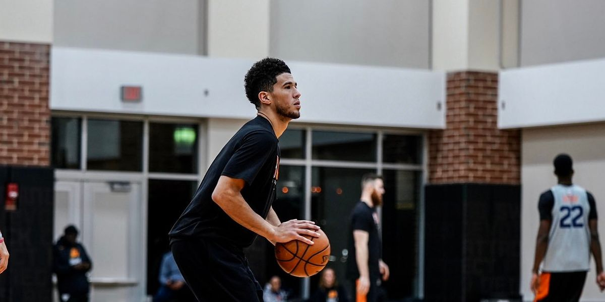 Devin Booker glänzt im Training.