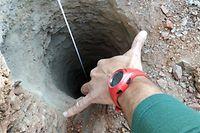 13.01.2019, Spanien, Totalan: Rettungskräfte helfen bei der Suche nach einem zweijährigen Jungen, der beim Spielen in einen 110 Meter tiefen Brunnenschacht gestürzt sein soll. Foto: Bomberos De Málaga/Europa Press/dpa +++ dpa-Bildfunk +++