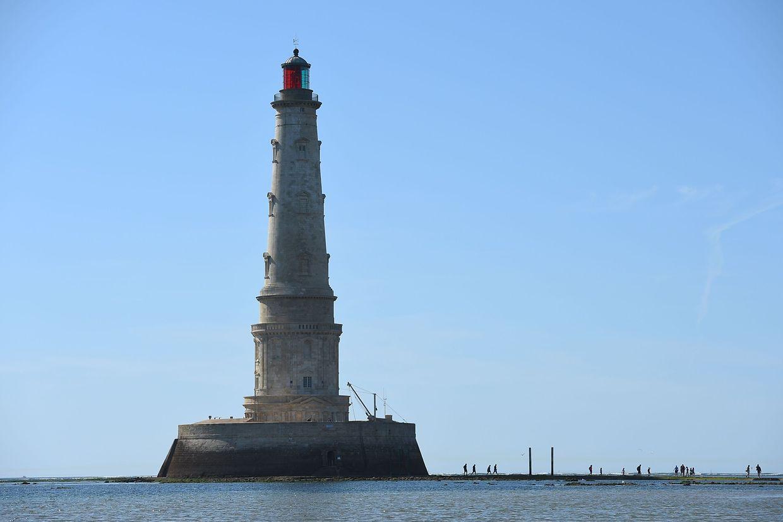 Le Verdon-sur-Mer (Frankreich). Mit dem Cordouan-Leuchtturm will Frankreich seinen ältesten, noch aktiven Schifflotsen besonders ausweisen. 1611 erbaut, ist er 2020 ein Kandidat für das Unesco-Welterbe.