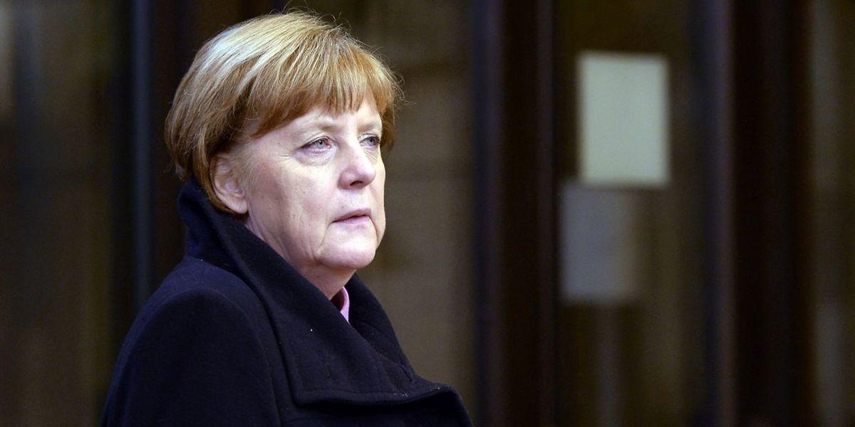 Die deutsche Bundeskanzlerin Angela Merkel verteidigt ihre Flüchtlingspolitik.