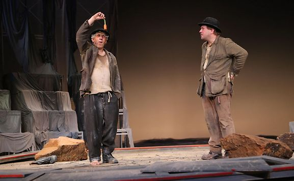 Luxemburger wort waarden op de godot une farce for Une farce au theatre