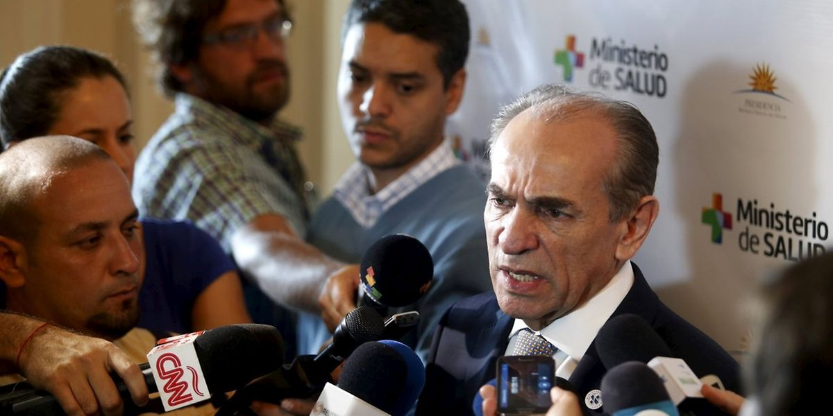 Le ministre de la Santé brésilien, Marcelo Castro: «Nous sommes en train de faire le plus grand effort de l'histoire du Brésil» où  «46.000 agents de combat vont de maison en maison» pour combattre le moustique Aedes aegypti.