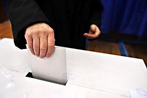 Demokratie, Wahlen, Referendum: Shutterstock