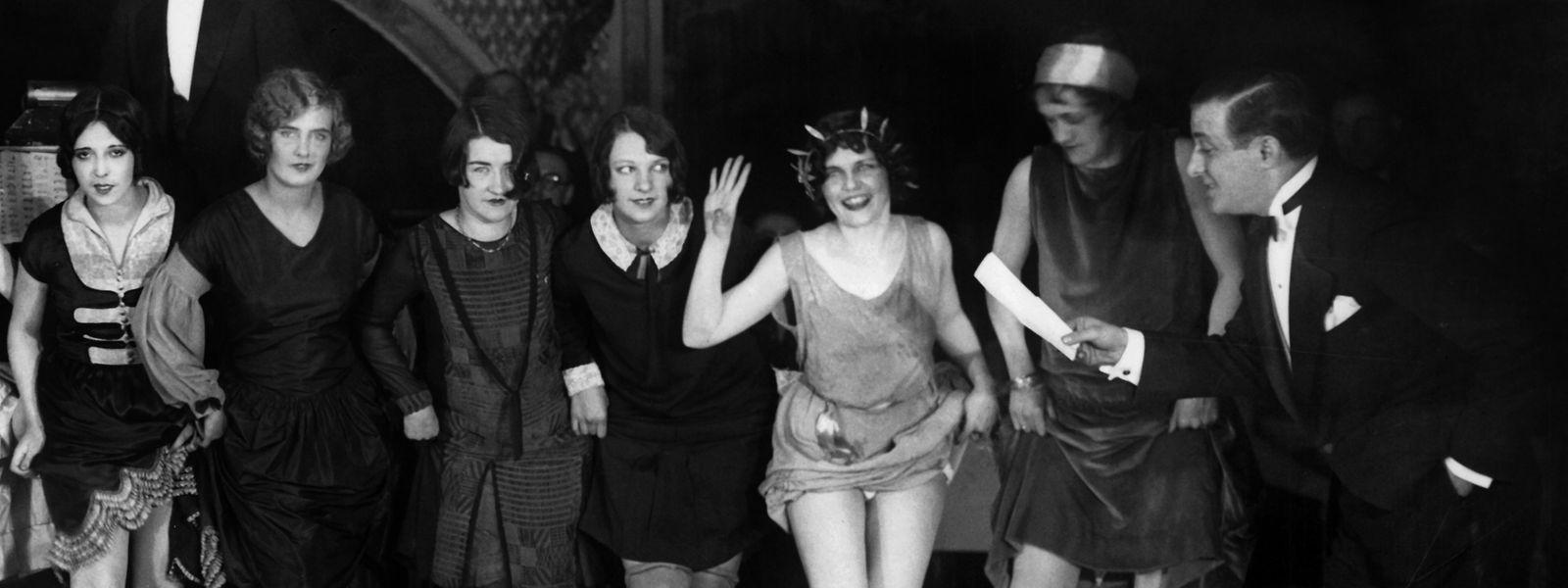 Charleston-Tanz als Teil eines Ausdauer-Tanzwettbewerbs. Wiederholt sich Geschichte doch? Einige Experten sagen neue Goldene Zwanziger voraus - nach der Pandemie; so ähnlich wie vor 100 Jahren.