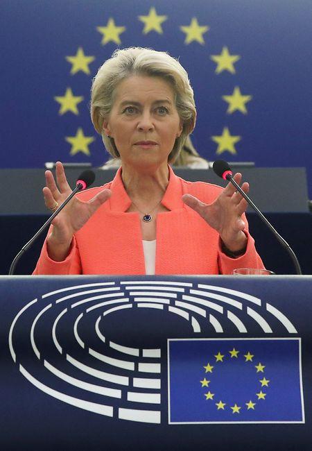 """Der Anteil Europas an der gesamten Wertschöpfungskette habe abgenommen, und zwar von der Produktgestaltung bis hin zur Fertigungskapazität"""", kritisierte Von der Leyen."""