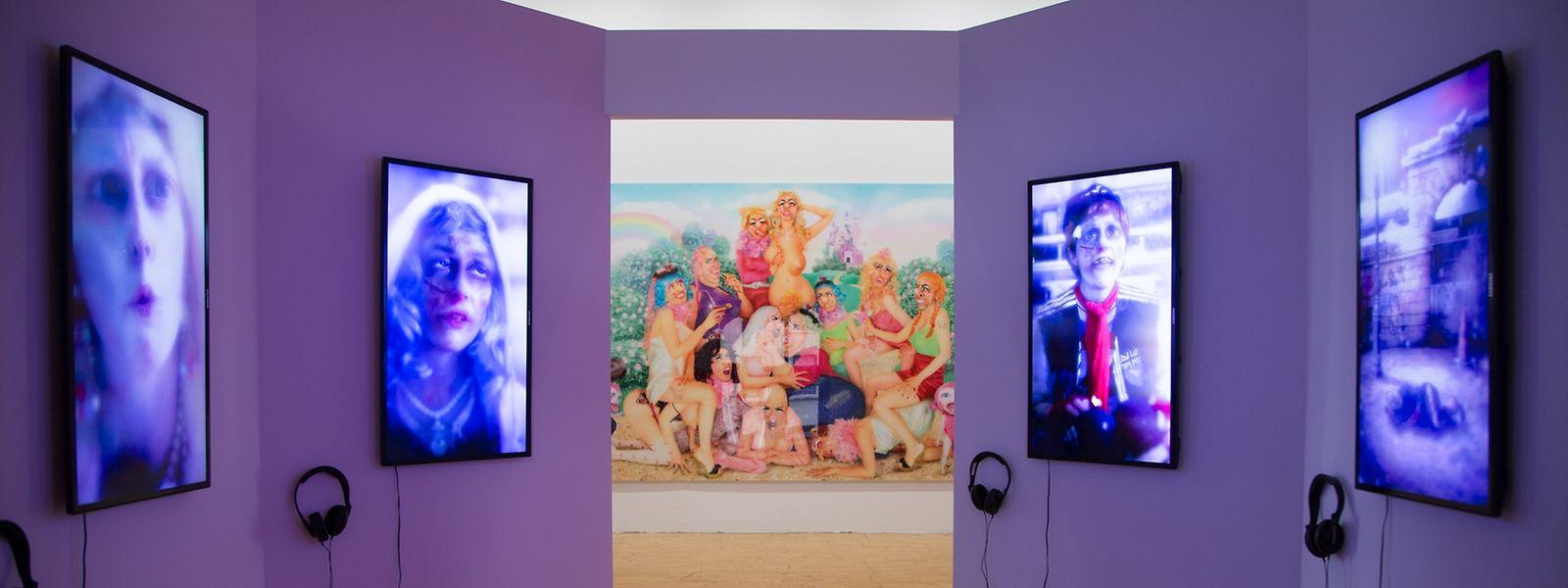 A exposição de Rachel Maclean pode ser visitada hoje, e em português