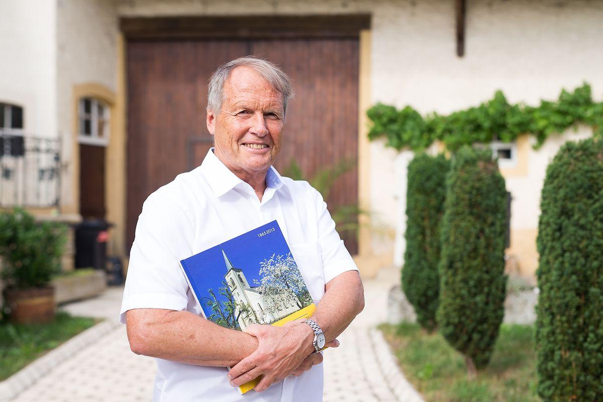 """Das jüngste Sammelwerk von Roby Mehlen: """"150 Jar Manternacher Kierch""""."""